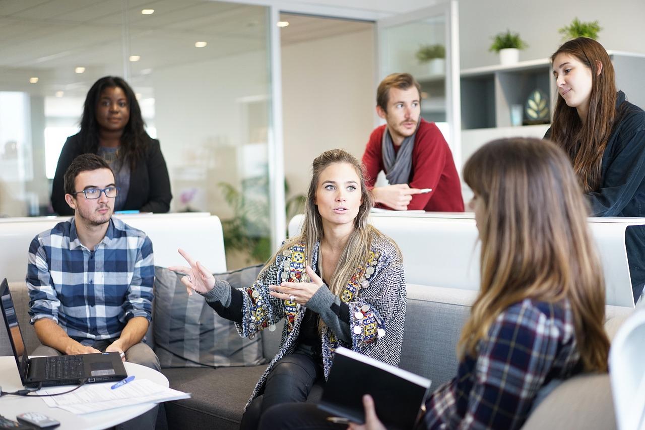https://pixabay.com/en/workplace-team-business-meeting-1245776/